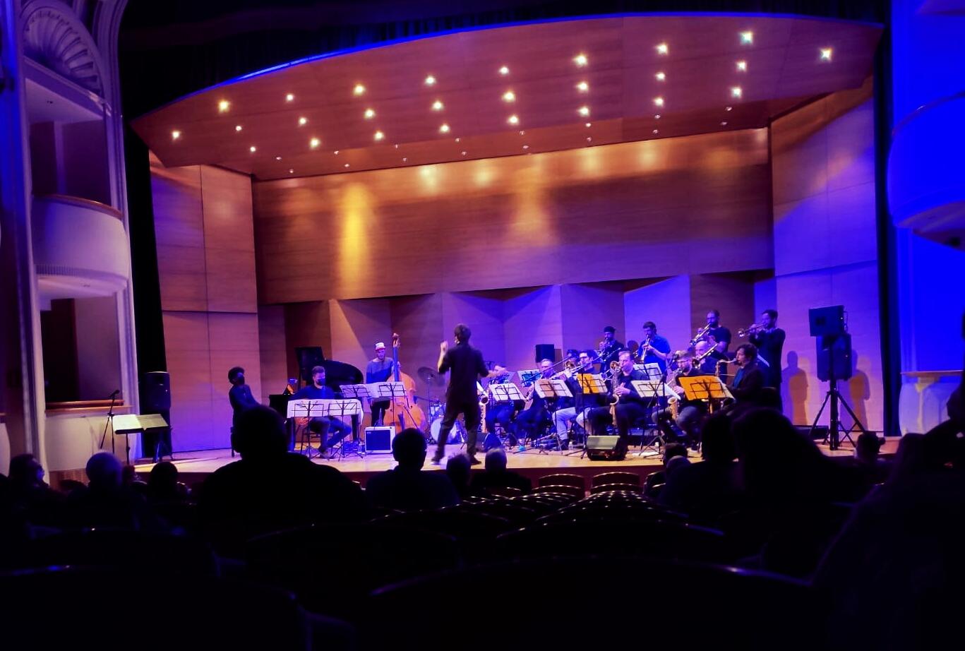 11 de Febrero: Concierto en Sevilla  - CJBb Pro con Toni Vaquer