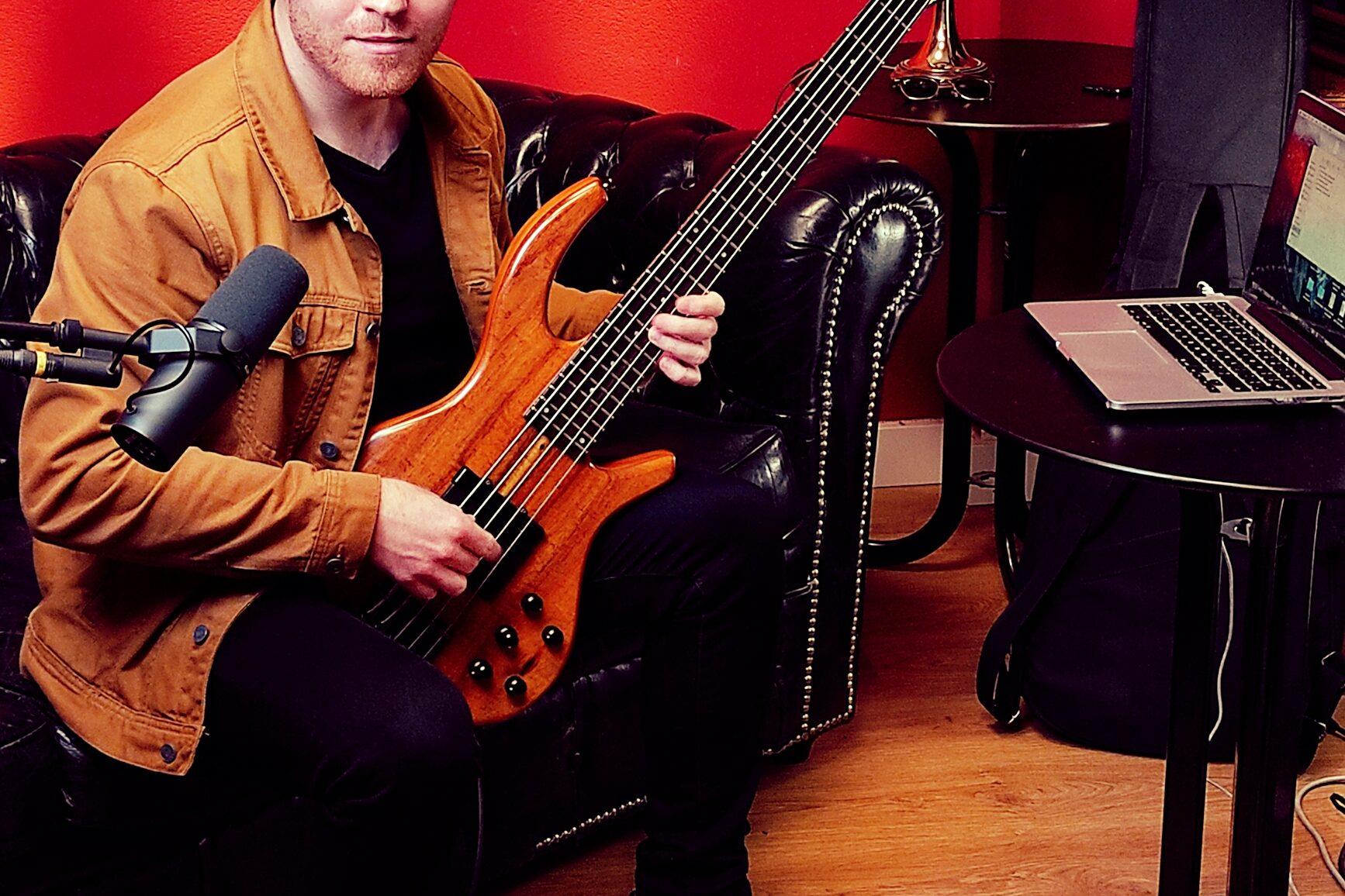 14 de Febrero: Clase temática de guitarra con Chris.